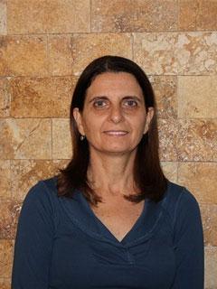 מורה ומטפלת בשיטת פלדנקרייז מוסמכת על ידי האירגון הבנלאומי IFF